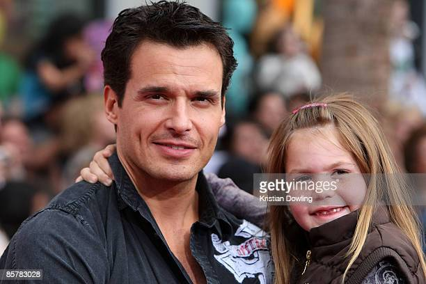 Actor Antonio Sabato Jr and daughter Mina Bree attend the Hannah Montana The Movie Premiere at the El Capitan TheatreApril 2 2009 in Hollywood...