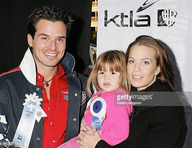 Actor Antonio Sabato Jr poses with his girlfriend and her daughter prior to the 2005 Hollywood Christmas Parade on November 27 2005 in Hollywood...