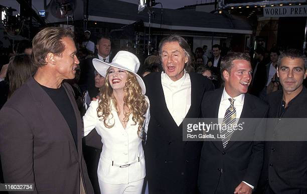 Actor Arnold Schwarzenegger actress Alicia Silverstone director Joel Schumacher actor Chris O'Donnell and actor George Clooney attend the Batman...