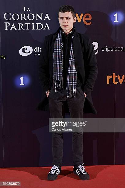 Actor Aron Piper attends La Corona Partida premiere at the Capitol cinema on February 17 2016 in Madrid Spain