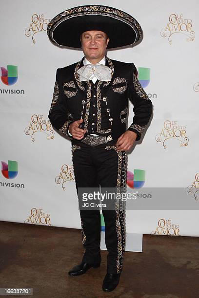 Actor Arturo Peniche attends during Univision Network's New Novela Que Bonito Amor Press Conference and fan meet and greet at Plaza Mexico on April...
