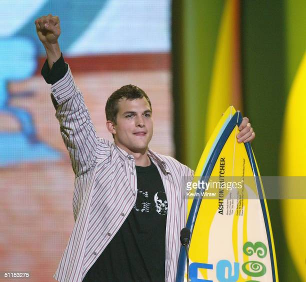 Actor Ashton Kutcher accepts the award for Choice TV Reality Show on stage at The 2004 Teen Choice Awards held on August 8 2004 at Universal...