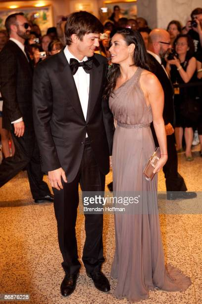 Actor Ashton Kutcher and actress Demi Moore arrive at the White House Correspondents' Association dinner on May 9 2009 in Washington DC This year the...