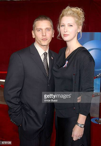 Actor Barry Pepper and his wife Cindy attend the 53rd Annual Primetime Emmy Awards at the Shubert Theater November 4 2001 in Los Angeles CA