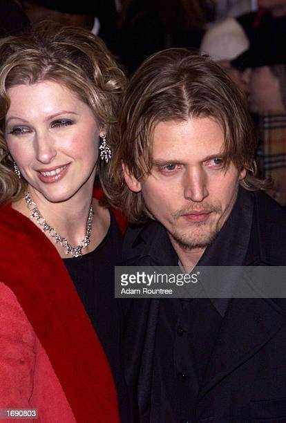 Actor Barry Pepper and wife Cindy attend the premiere of the film 25th Hour screened at the Zigfeld Theater in New York on December 16 2002