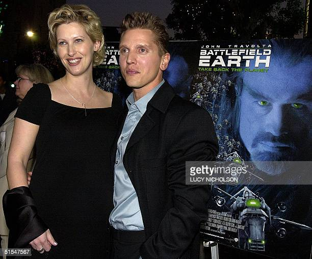 US actor Barry Pepper arrives at the premiere of his new film Battlefield Earth with his wife Cindy in Hollywood CA 10 May 2000 The sciencefiction...
