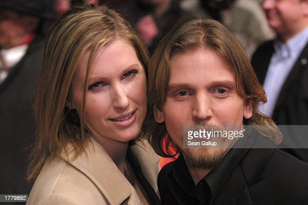 Actor Barry Pepper arrives with his wife Cindy for the premiere of his film 25th Hour at the Berlinale Film Festival February 12 2003 in Berlin...