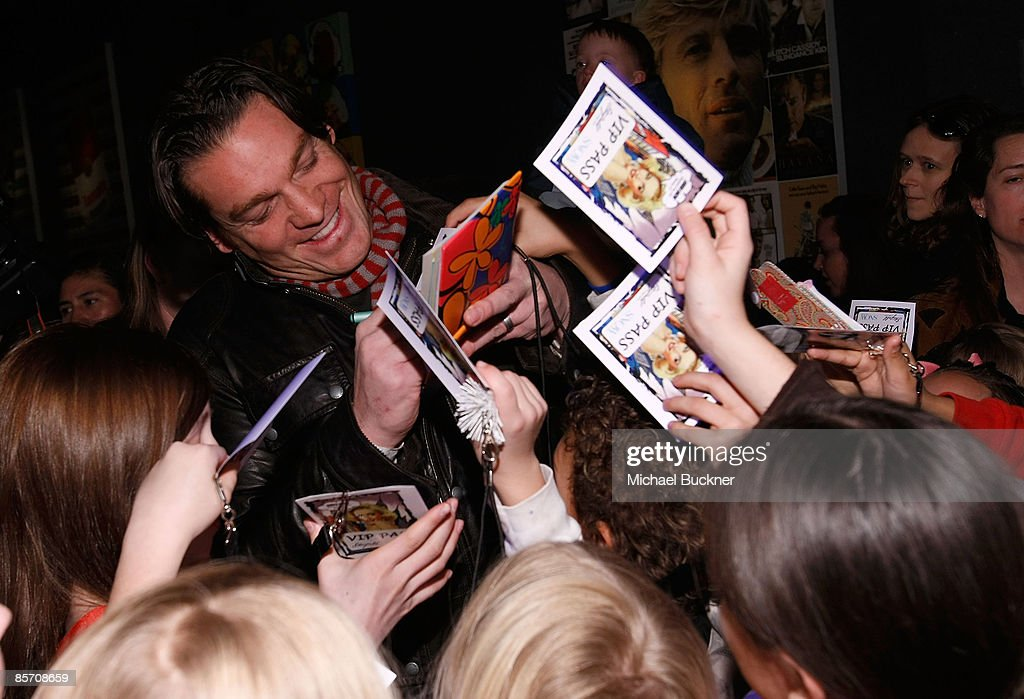 Actor Bart Johnson signs autographs as he attends Green SNOW Art Show At Stanfield Artist's Lounge on January 21, 2009 in Park City, Utah.