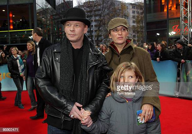 Actor Ben Becker and partner Anne Seidel and daughter Lilith attend the 'Arthur Und Die Minimoys 2' Premiere at Sony Center on November 22 2009 in...