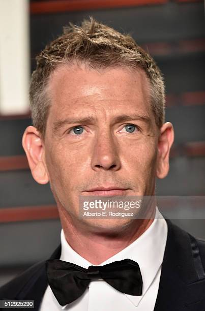 Actor Ben Mendelsohn attends the 2016 Vanity Fair Oscar Party hosted By Graydon Carter at Wallis Annenberg Center for the Performing Arts on February...