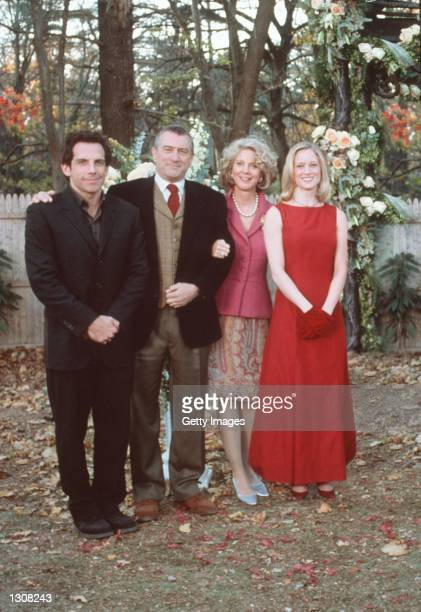 Actor Ben Stiller 'Greg Focker' Robert De Niro 'Jack Byrnes' Blythe Danner 'Dina Byrnes' and Teri Polo 'Pam Byrnes' star in Universal Pictures 'Meet...