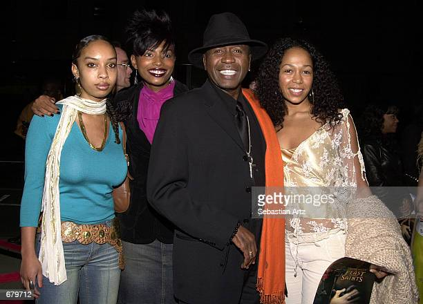 Actor Ben Vereen arrives with his daughter Karon and two friends at the Showtime premiere of Anne Rice's The Feast Of All Saints November 07 2001 in...
