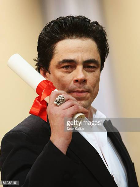 Actor Benicio Del Toro with his award for Best Actor for Che during the Palme d'Or Closing Ceremony at the Palais des Festivals during the 61st...