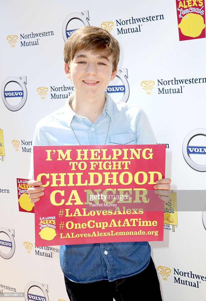 7th Annual L.A. Loves Alex's Lemonade : News Photo
