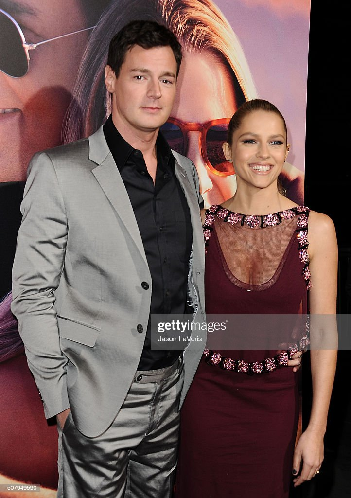 Actor Benjamin Walker and actress Teresa Palmer attend the premiere of 'The Choice' at ArcLight Cinemas on February 1, 2016 in Hollywood, California.