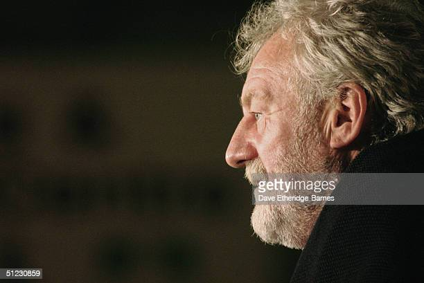 Actor Bernard Hill talks to the audience at The Fellowship Festival 2004 aimed at J R R Tolkien fans at Alexandra Palace on August 28 2004 in London...