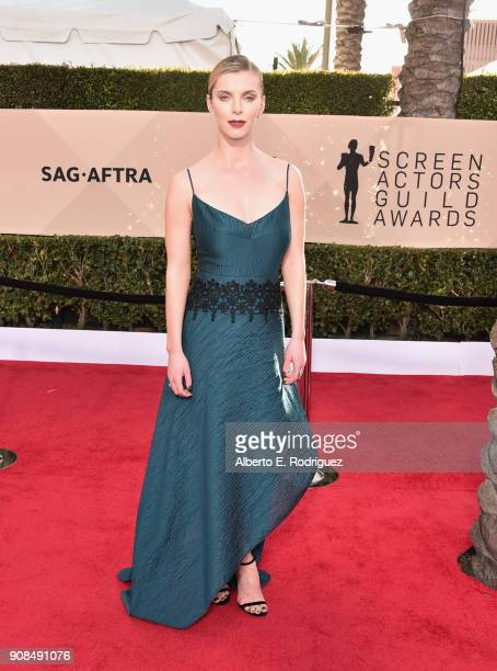 Actor Betty Gilpin attends the 24th Annual Screen Actors Guild Awards at The Shrine Auditorium on January 21 2018 in Los Angeles California 27522_006