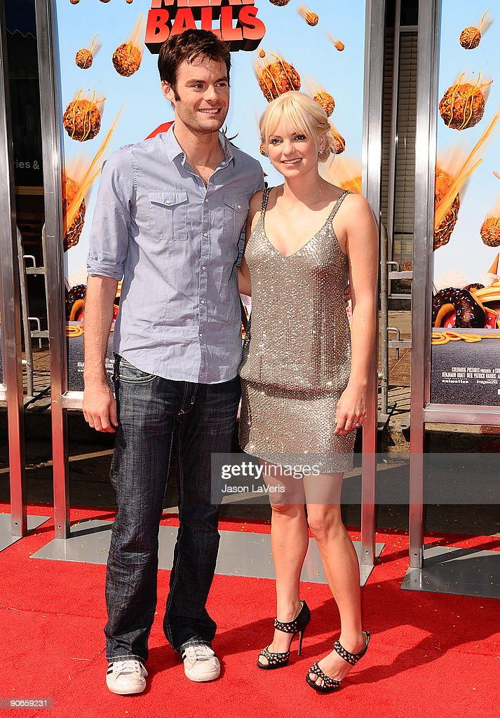 Actor Bill Hader and actress Anna Faris attend the premiere of 'Cloudy With A Chance Of Meatballs' at Mann Village Theatre on September 12, 2009 in Westwood, Los Angeles, California.