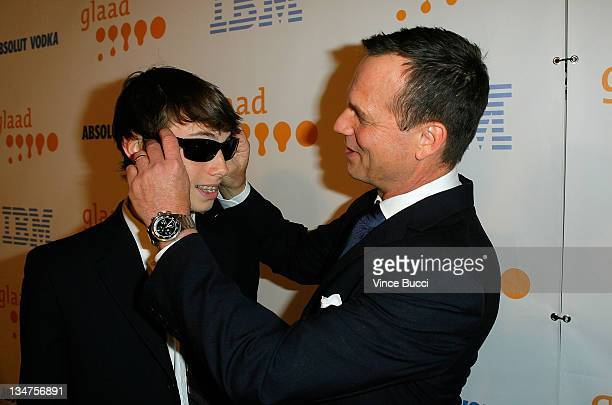 Actor Bill Paxton and guest arrive at the 20th Annual GLAAD Media Awards held at NOKIA Theatre LA LIVE on April 18, 2009 in Los Angeles, California.