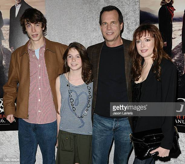 Actor Bill Paxton with wife Louise Paxton children James Paxton and Lydia Paxton attend the premiere of HBO's Big Love at the Directors Guild of...