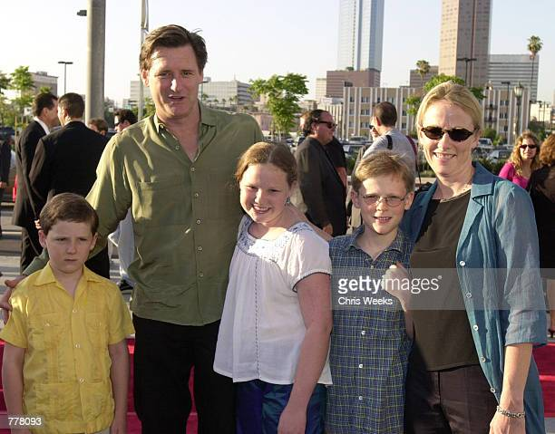 Actor Bill Pullman with wife Tamara Hurwitz and their children Maesa Louis and Jack arrives at the premiere of Titan AE June 13 2000 in Los Angeles CA