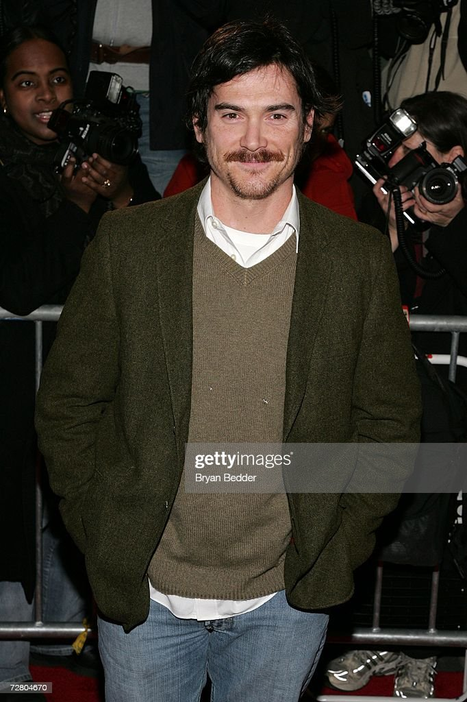 Actor Billy Crudup attends the World Premiere of 'The Good Shepherd' presented by Universal Pictures at the Ziegfeld Theatre on December 11, 2006 in New York City