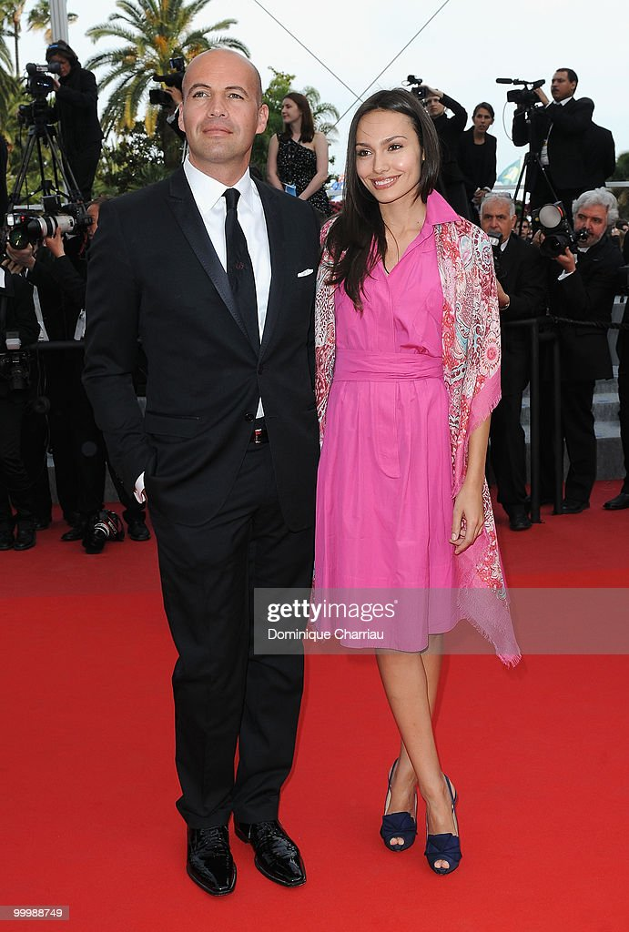 Actor Billy Zane and guest attend the premiere of 'Poetry' held at the Palais des Festivals during the 63rd Annual International Cannes Film Festival on May 19, 2010 in Cannes, France.