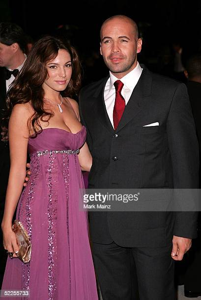 Actor Billy Zane and Kelly Brook arrive at the Vanity Fair Oscar Party at Mortons on February 27 2005 in West Hollywood California