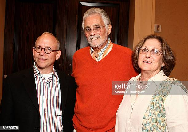 Actor Bob Balaban actor David Hedison and Bridget Hedison attend the Campaign for a New GI Bill hosted by the Student Veterans of America at the...