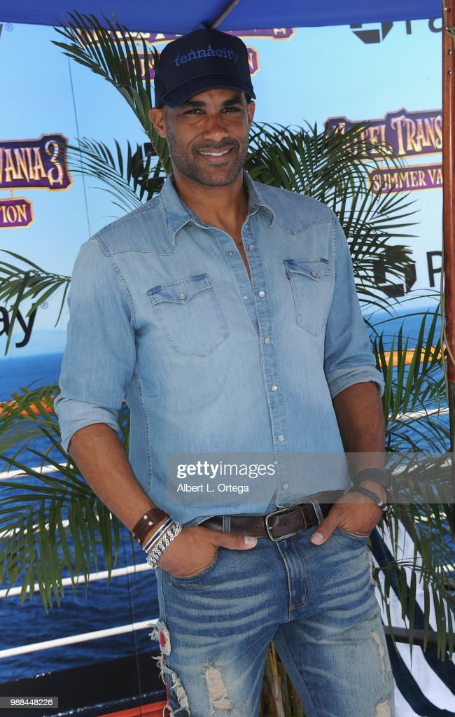 columbia shorts actor