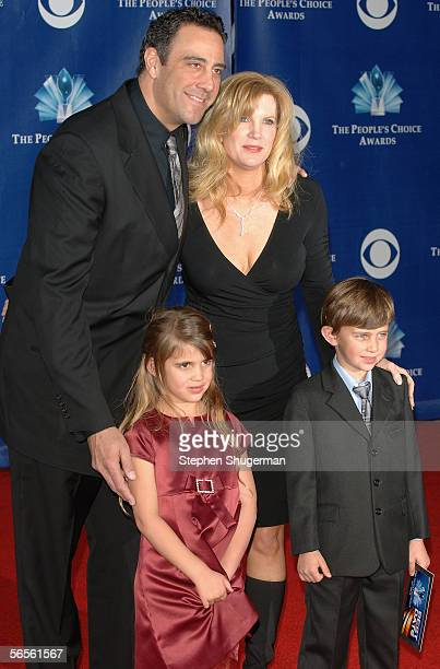 Actor Brad Garrett arrives with his wife Jill Diven and children Maxwell and Hope at the 32nd Annual People's Choice Awards at the Shrine Auditorium...