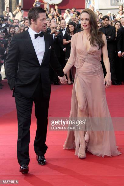 """Actor Brad Pitt and actress Angelina Jolie arrive for the screening of the movie """"Inglourious Basterds"""" directed by US Quentin Tarantino in..."""