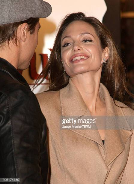 Actor Brad Pitt and actress Angelina Jolie arrives at the Los Angeles Premiere of 'Beowulf' at Westwood Village on November 5 2007 in Weswood...