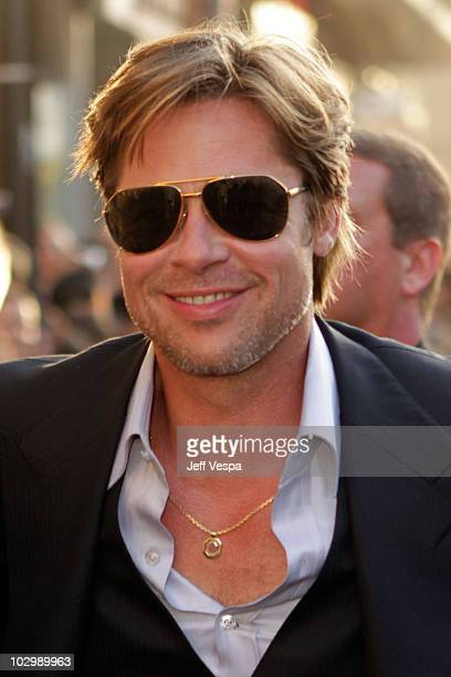 """Actor Brad Pitt arrives at the """"Salt"""" Los Angeles Premiere at Grauman's Chinese Theatre on July 19, 2010 in Hollywood, California."""