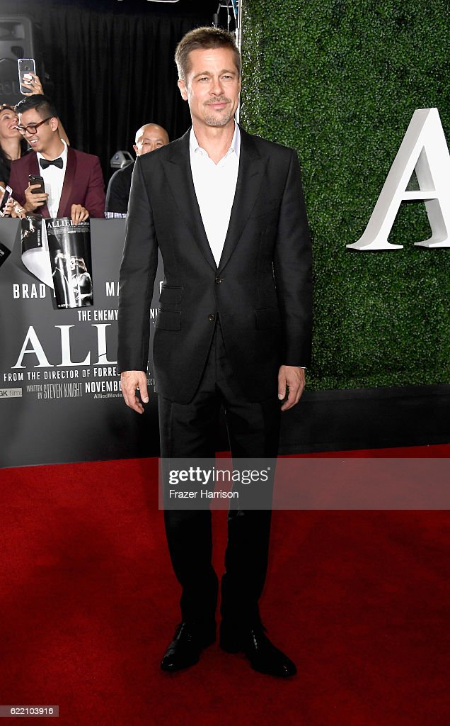 "Fan Event For Paramount Pictures' ""Allied"" - Arrivals"