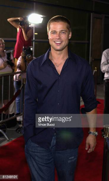 """Actor Brad Pitt attends the premiere of the Warner Independent Pictures' film """"Criminal"""" on August 30, 2004 at the Arclight Theatre in Hollywood ,..."""