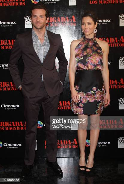"""Actor Bradley Cooper and actress Jessica Biel attend the premiere of """"The A-Team"""" at Cinemex Antara Polanco on May 31, 2010 in Mexico City, Mexico."""