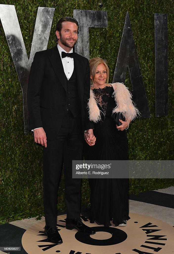 2013 Vanity Fair Oscar Party Hosted By Graydon Carter - Arrivals : Fotografía de noticias