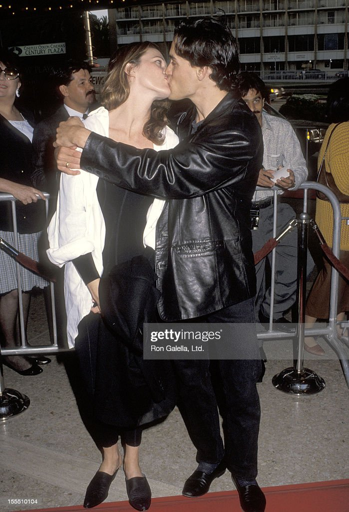 Actor Brandon Lee And Girlfriend Eliza Hutton Attend The Alien 3 Fotografia De Noticias Getty Images She has worked in hollywood in various roles including in casting. https www gettyimages com mx detail fotograf c3 ada de noticias actor brandon lee and girlfriend eliza hutton fotograf c3 ada de noticias 155510104