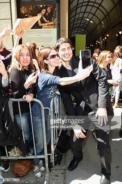 Actor Brandon Routh greets fans at the CW Network's 2015 Upfront at the London Hotel on May 14 2015 in New York City