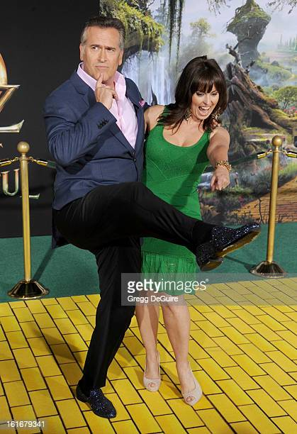 Actor Bruce Campbell and wife Ida Gearon arrive at the Los Angeles premiere of Oz The Great and Powerful at the El Capitan Theatre on February 13...