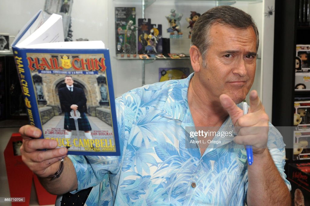 "Bruce Campbell Book Signing ""Hail To The Chin"""