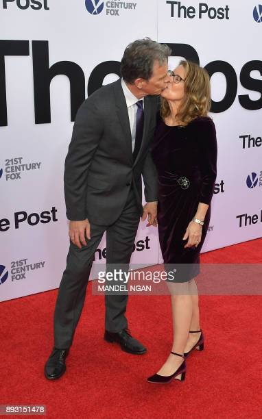 Actor Bruce Greenwood and his wife Susan Devlin arrives for the premiere of The Post on December 14 in Washington DC / AFP PHOTO / Mandel NGAN