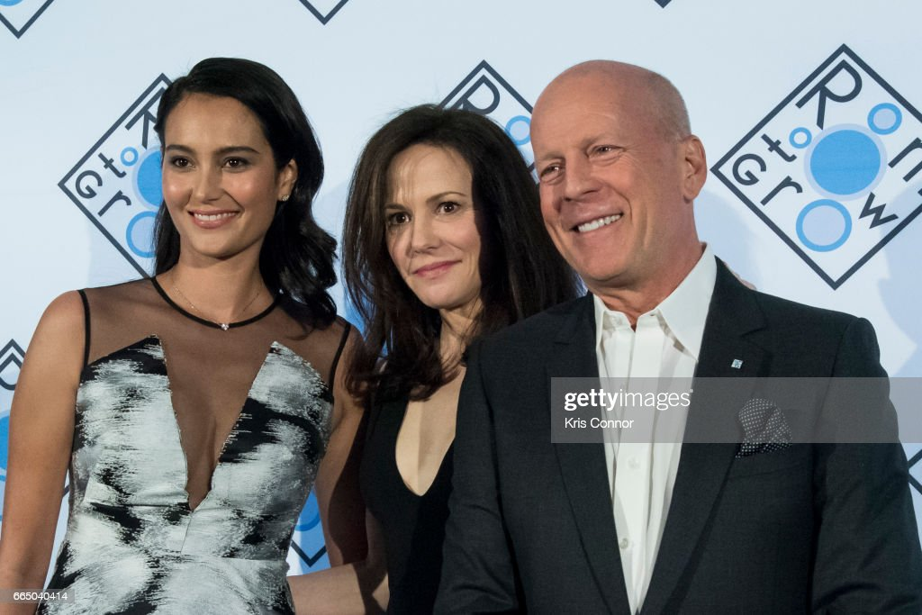 actor bruce willis actress mary louise parker and wife. Black Bedroom Furniture Sets. Home Design Ideas