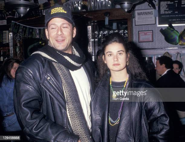Actor Bruce Willis and actress Demi Moore on February 15 1988 dine at Ruby's River Road Cafe in New York City