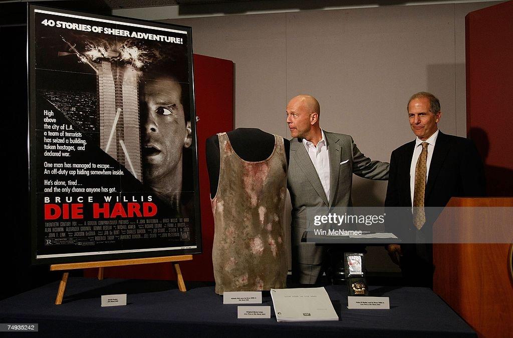 """Bruce Willis Donates """"Die Hard"""" Memorabilia : News Photo"""