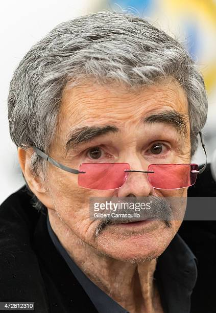 Actor Burt Reynolds makes his Wizard World Comic Con debut on day 3 of Wizard World Comic Con at Pennsylvania Convention Center on May 9 2015 in...