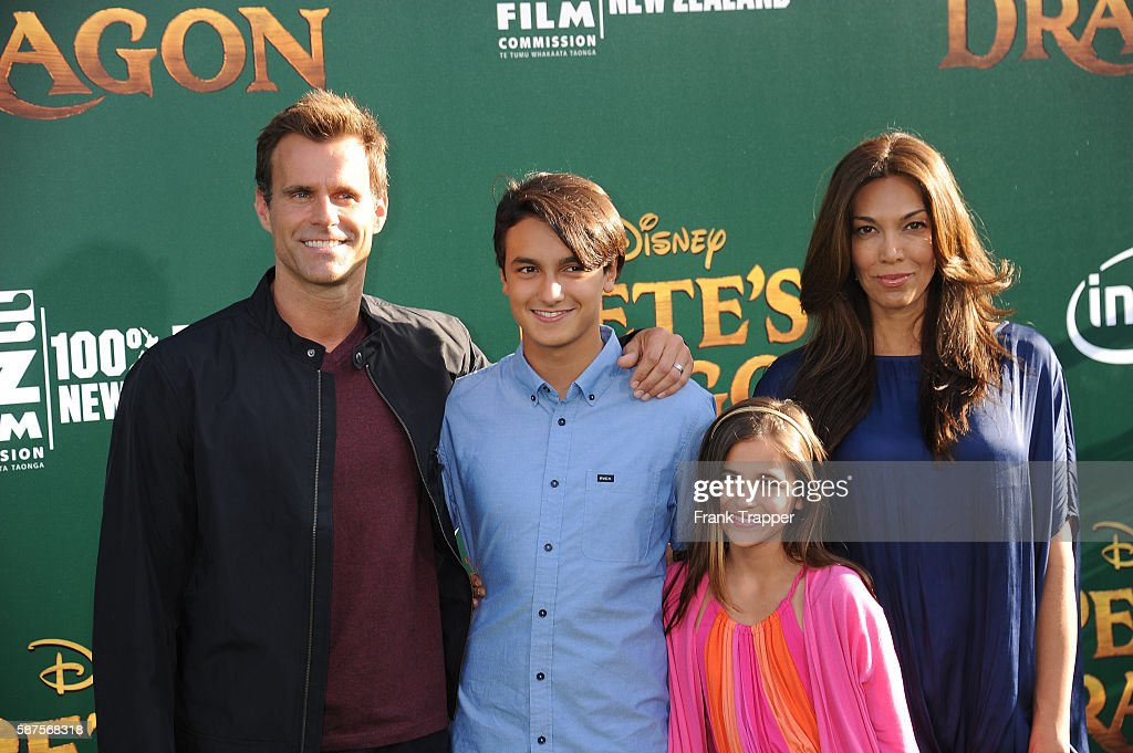 "Premiere of Disney's ""Pete's Dragon"" - Arrivals : News Photo"