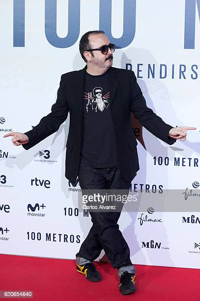 Actor Carlos Areces attends '100 Metros' premiere at Capitol cinema on November 2 2016 in Madrid Spain