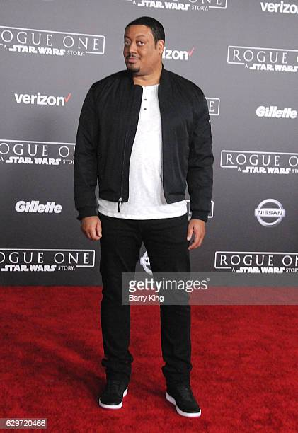 Actor Cedric Yarbrough attends the premiere of Walt Disney Pictures and Lucasfilms' 'Rogue One A Star Wars Story' at the Pantages Theatre on December...